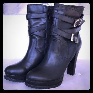 NWOB Madden Girl Nitefal Black Heeled Booties. 8.5